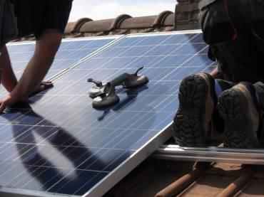solar-panels-944002-1920